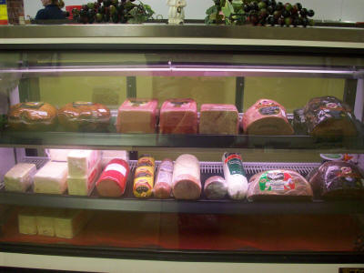 Courthouse Deli and Catering -  Serving the freshest lunch meats for dine in or take out, and catering.